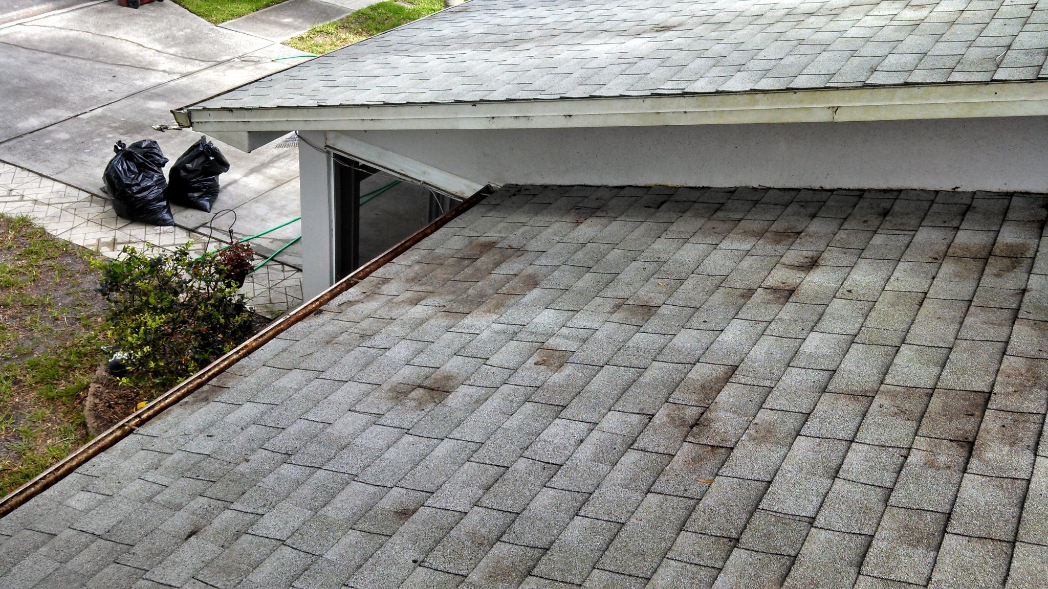 Average Price To Clean Roof Gutters Average Price To Clean